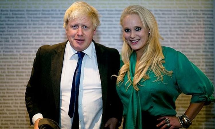 Boris Johson và Jennifer Arcuri tại một hội nghị về công nghệ ở London năm 2014. Ảnh: Rex