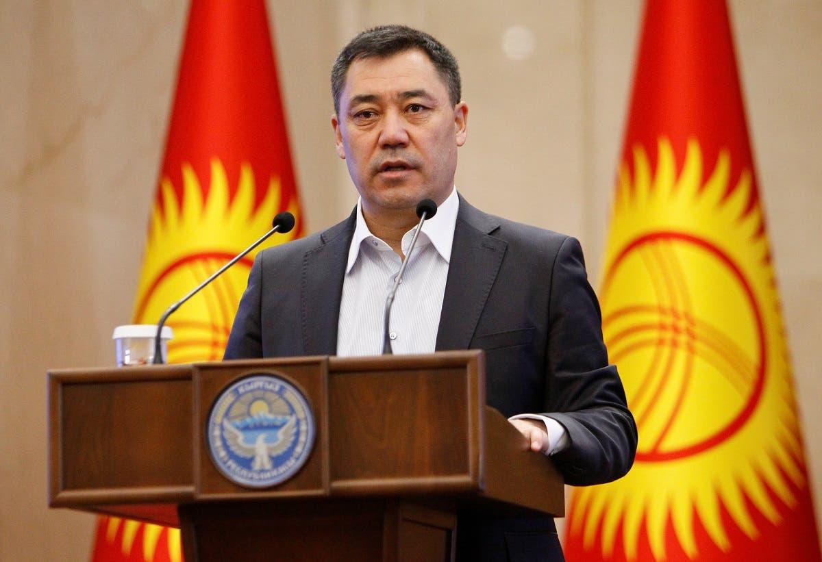 Thủ tướng Kyrgyzstan Sadyr Japarov phát biểu trong phiên họp bất thường của quốc hội ở Bishkek, hôm 16/10. Ảnh: Reuters.