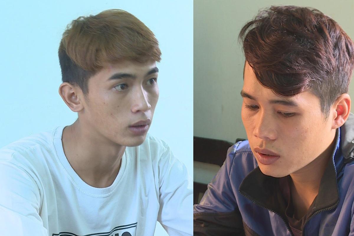 Trần Văn Khải (trái) và anh trai Trần Văn Linh tại cơ quan công an. Ảnh: Sỹ Đức.