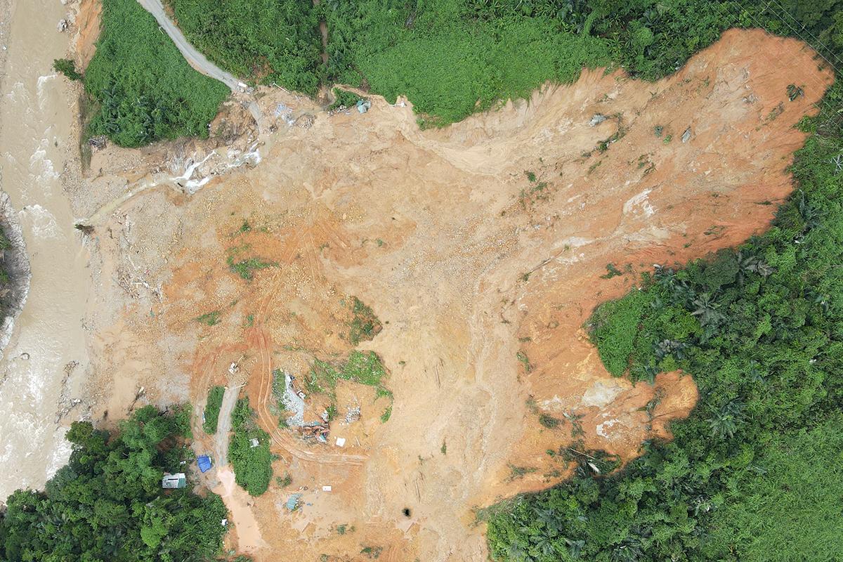 Hiện trường Rào Trăng 3 bị sạt lở, nơi 15 công nhân mất tích. Phú Mậu
