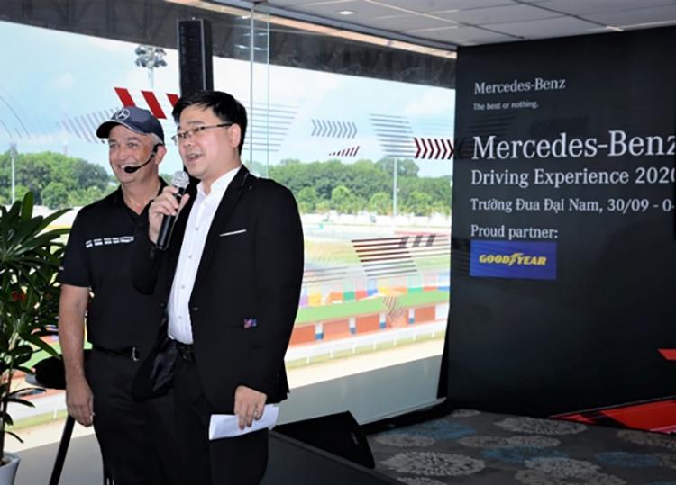 Ông Brad Kelly, Tổng Giám đốc Mercedes-Benz Việt Nam và ông Trịnh Khánh Hoàng, Tổng Giám đốc Goodyear Việt Nam trong một sự kiện.