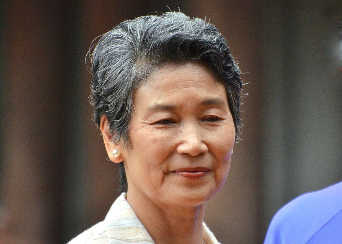 Đệ nhất phu nhân Mariko Suga thăm Văn Miếu ở Hà Nội sáng 19/10. Ảnh: Vũ Anh.