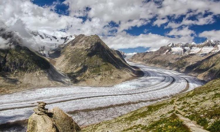 Sông băng Aletsch hùng vĩ ở miền nam Thụy Sĩ. Ảnh: Wild About Travel.