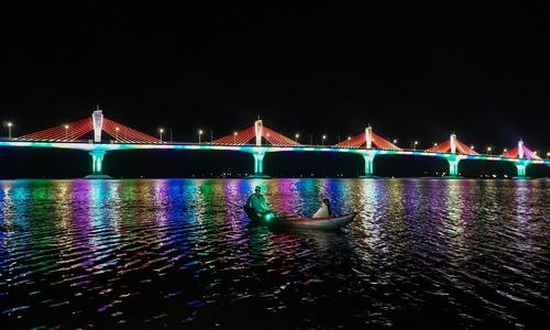 Thông xe cầu dây văng lớn nhất Quảng Ngãi