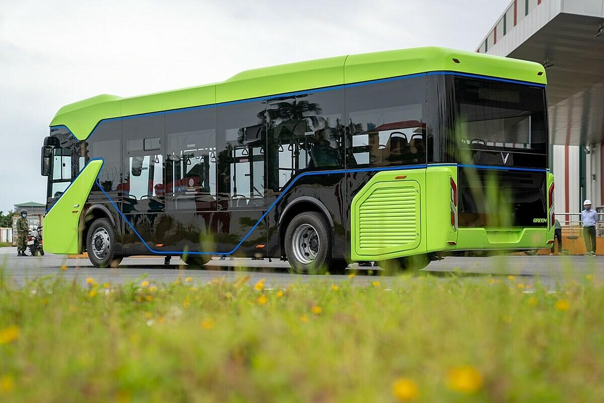 VinFast hoàn thành chạy thử xe buýt điện - VnExpress