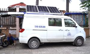 Lắp pin năng lượng mặt trời trên nóc ôtô