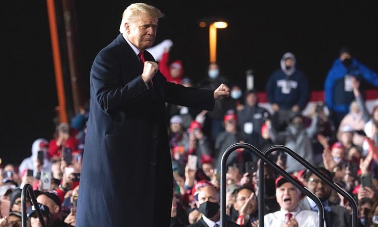 Tổng thống Mỹ Donald Trump vận động tranh cử tại Pennsylvania hôm 20/10. Ảnh: AFP.