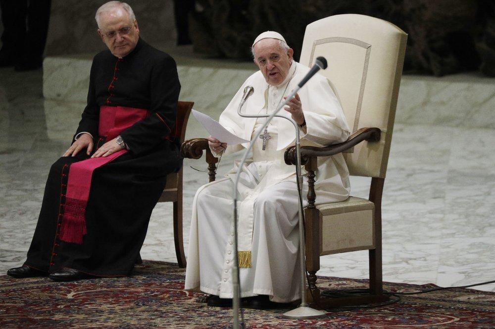 Giáo hoàng Francis không đeo khẩu trang tại buổi tiếp kiến chung ở Vatican hôm 21/10. Ảnh: AP.