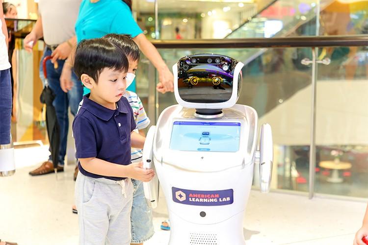 Robot thông minh cho trẻ cơ hội trải nghiệm trí tuệ nhân tạo.
