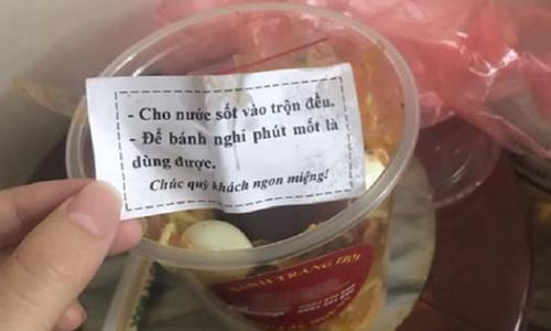 Khách hàng nổi đóa vì bị anh bán kem trêu - 2