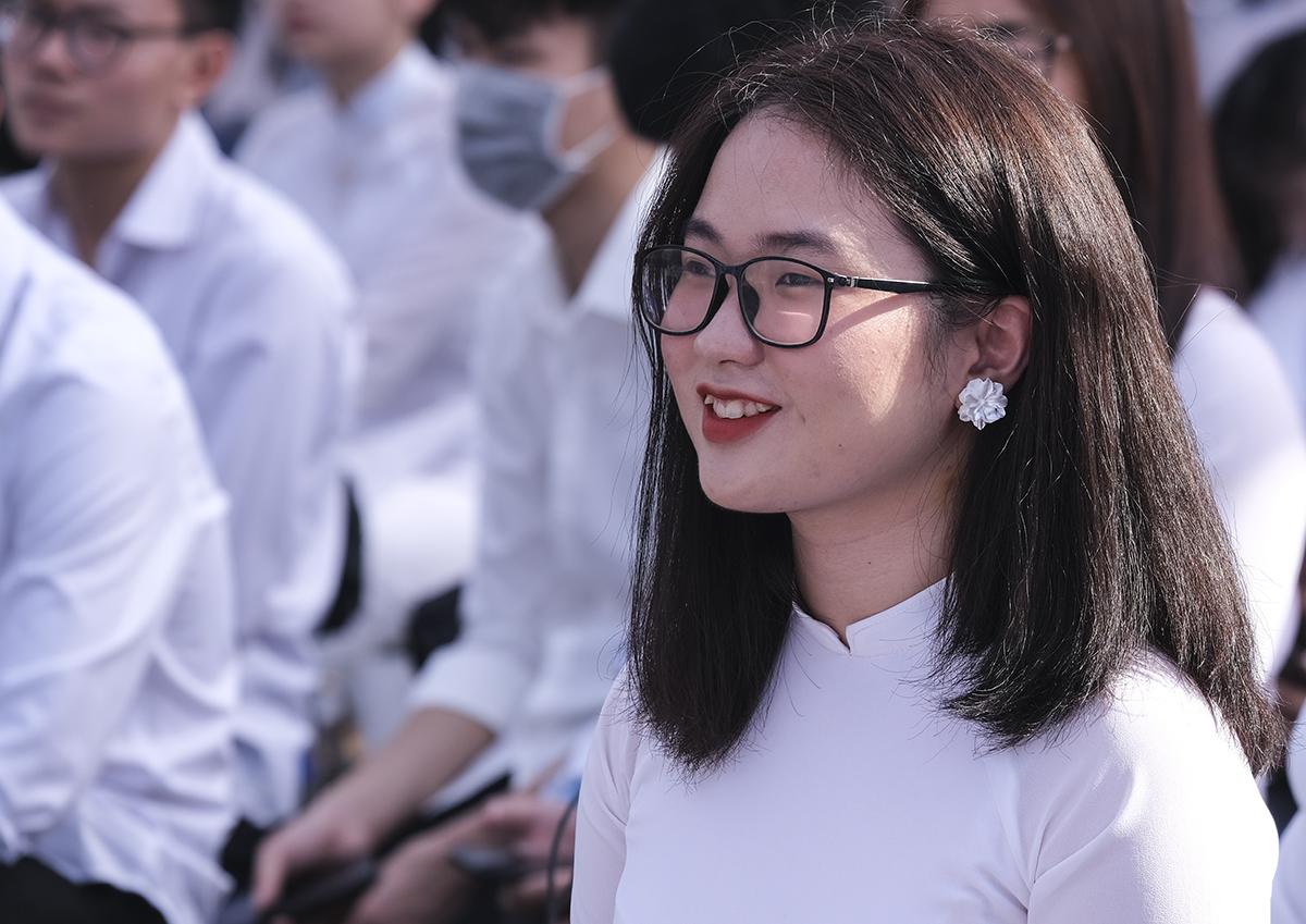 Sinh viên Đại học Sư phạm Hà Nội trong lễ khai giảng ngày 23/10. Ảnh: Dương Tâm.
