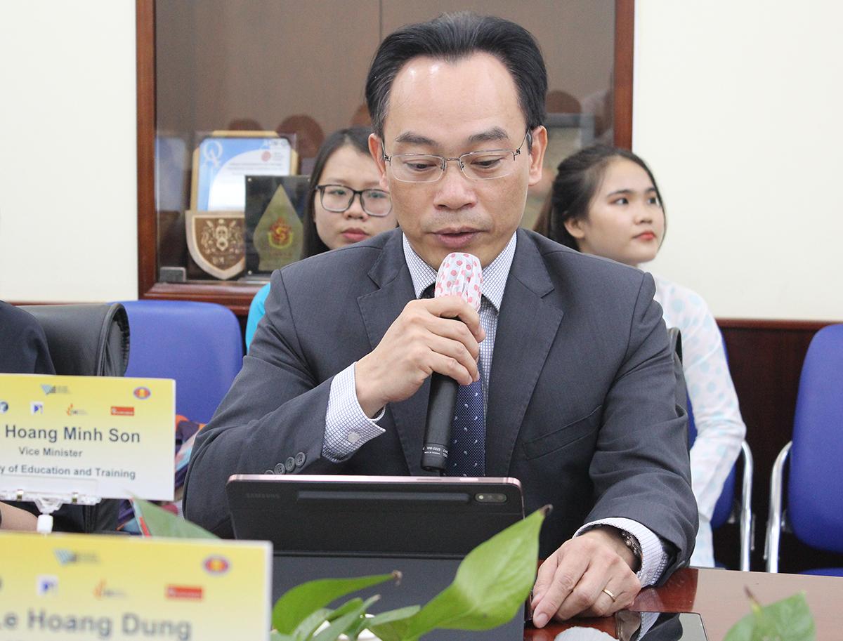 Thứ trưởng Bộ giáo dục và Đào tạo - Hoàng Minh Sơn