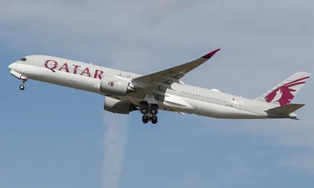 Một máy bay của Qatar Airways. Ảnh: Reuters