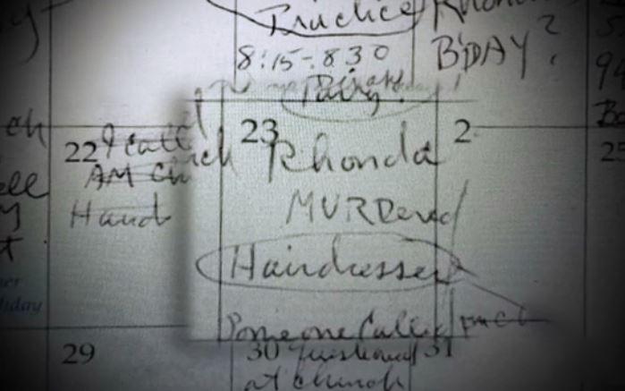 Ghi chú có dòng chữ Rhonda bị giết trên tờ lịch của Fonder. Ảnh: HLN.