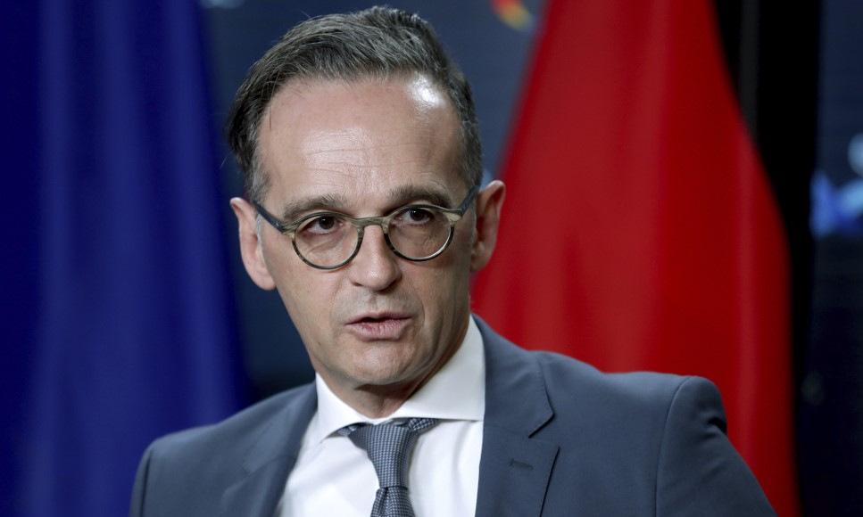 Ngoại trưởng Maas họp báo tại Berlin hôm 26/10. Ảnh: AFP.