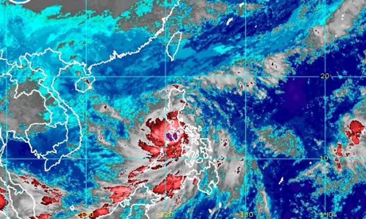 Bão Molave khi quét qua Philippines sáng nay. Ảnh: PAGASA.
