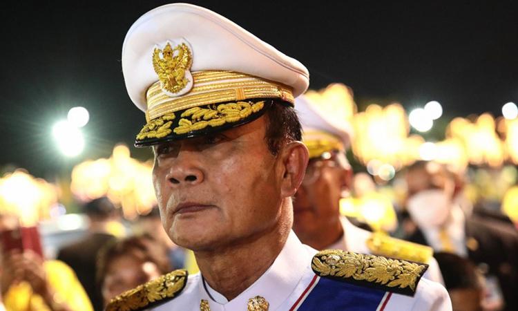 Thủ tướng Thái Lan Prayuth Chan-ocha dự một buổi lễ dành cho cố quốc vương Chulalongkorn ở Bangkok hôm 23/10. Ảnh: AFP.