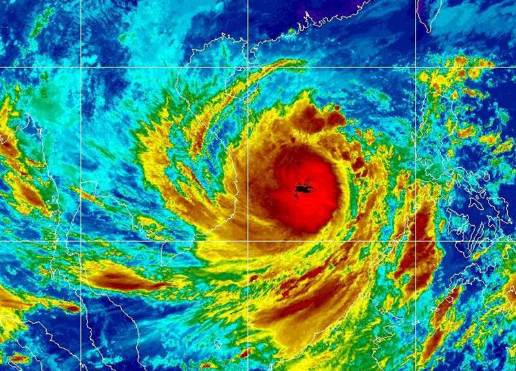 Molave được đánh giá là một cơn bão mạnh, sức tàn phá khủng khiếp. Ảnh: Cơ quan Quản lý Khí quyển và Đại dương Quốc gia Mỹ - NOAA.