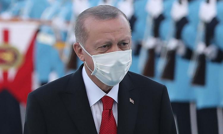 Tổng thống Thổ Nhĩ Kỳ Tayyip Erdogan tham dự lễ đón một lãnh đạo nước ngoài tại thủ đô Ankara hôm 26/10. Ảnh: AFP.