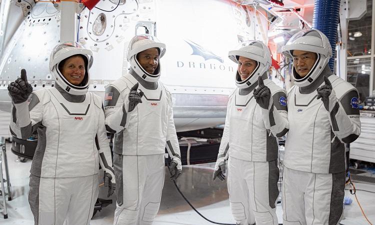 Các phi hành gia sẽ bay trong nhiệm vụ Crew-1. Ảnh: SpaceX/NASA.