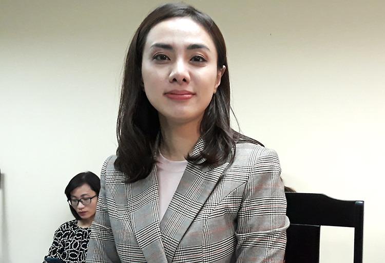 Ca sĩ Miko Lan Trinh tại tòa sơ thẩm hồi tháng 5. Ảnh: Hải Duyên.