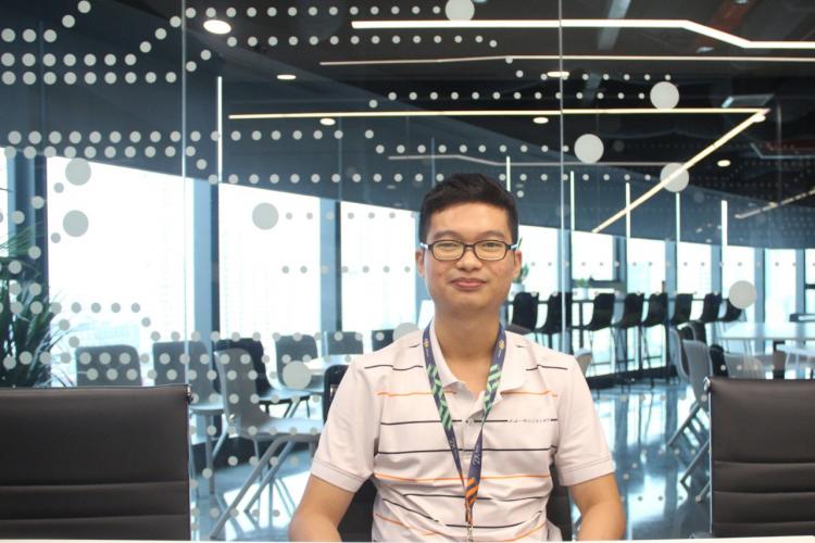 Phan Anh Tuấn đón nhận cơ hội việc làm yêu thích ngay khi tốt nghiệp nhờ kết quả học tập Blockchain xuất sắc. Ảnh: FUNiX.