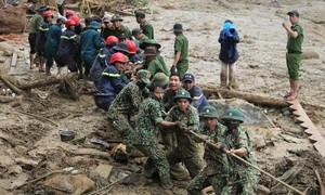 Huy động 500 người tìm kiếm nạn nhân Trà Leng