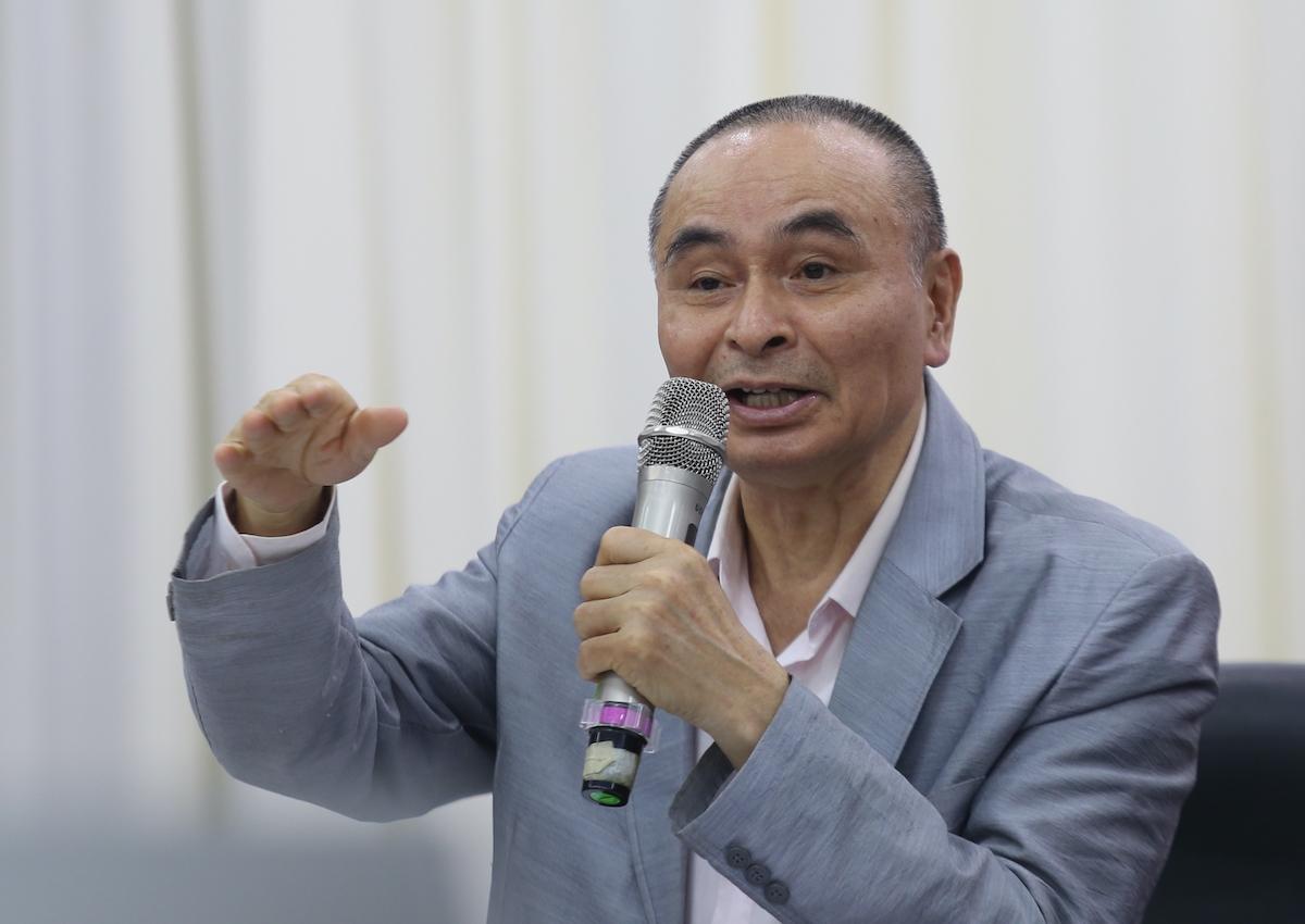 PGS Vũ Thanh Ca nói về thuỷ điện. Ảnh: Gia Chính