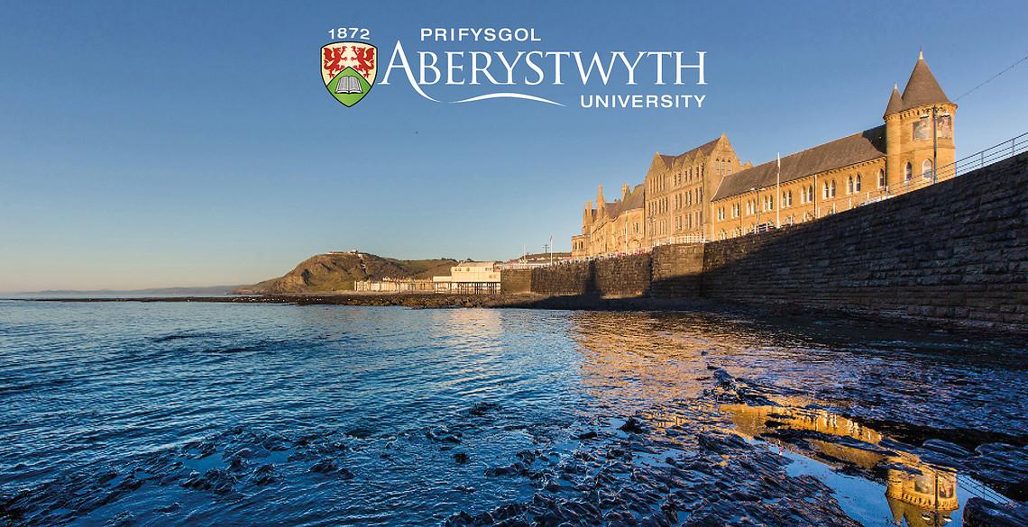 Khu học xá của trường nằm dọc bờ biển của thị trấn Aberystwyth. Ảnh: Hội đồng Anh