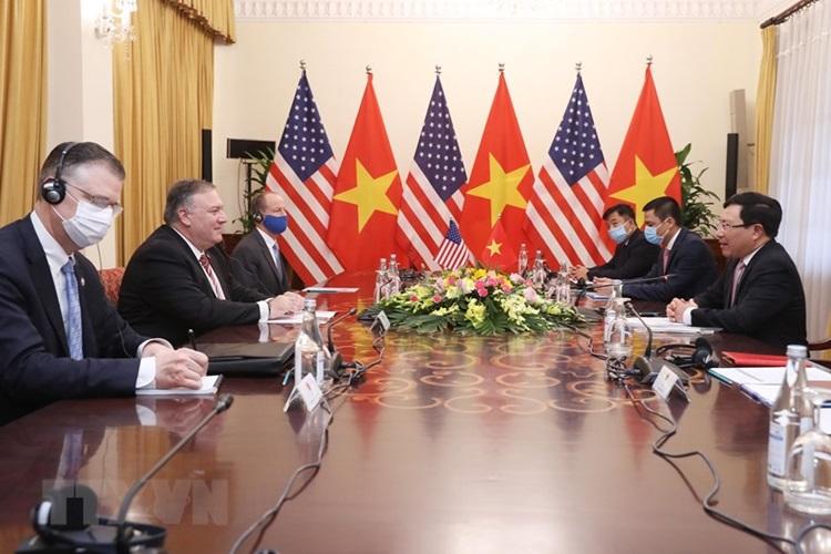 Phó Thủ tướng, Bộ trưởng Bộ Ngoại giao Phạm Bình Minh và Ngoại trưởng Mỹ Mike Pompeo hội đàm sáng nay. Ảnh: TTXVN.