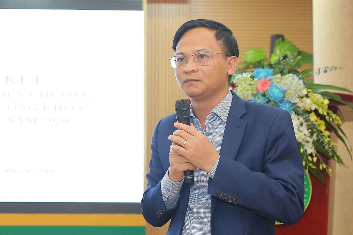 Ông Phạm Đức Nghiệm, Phó Cục trưởng Cục Phát triển và Thị trường Doanh nghiệp báo cáo kết quả chương trình 2075. Ảnh: NX.