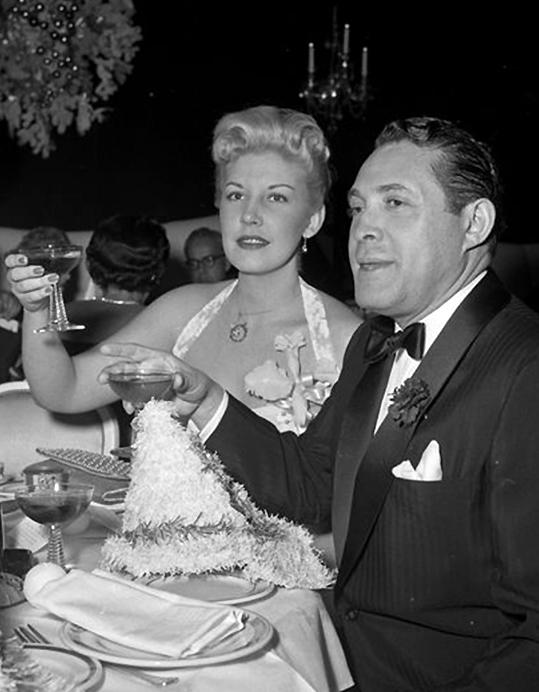 Triệu phú Rubinstein (phải) tại câu lạc bộ khiêu vũ đêm trước xảy ra án mạng. Ảnh: New York Daily News.