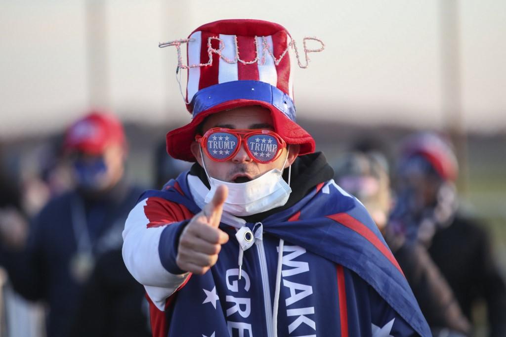 Người ủng hộ tại cuộc vận động tranh cử của Tổng thống Donald Trump ở Grand Rapids, Michigan, hôm 2/11. Ảnh: AFP.