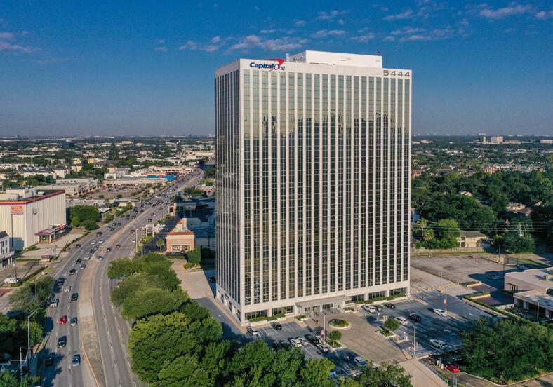 Tòa nhà Capitol One Plaza tại thành phố Houston. Ảnh: Loopnet.