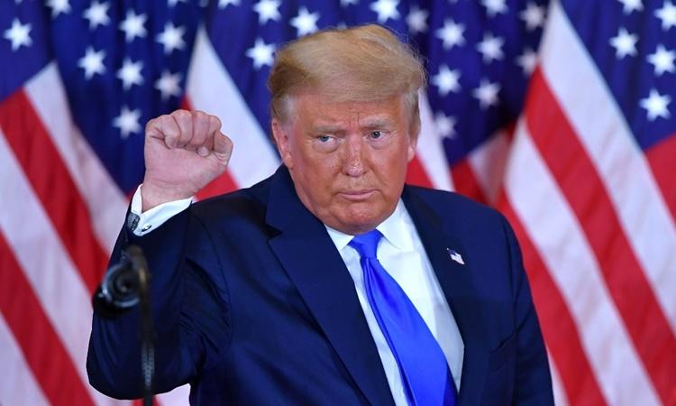 Tổng thống Trump tại buổi họp báo ở Nhà Trắng rạng sáng 4/11. Ảnh: AFP.