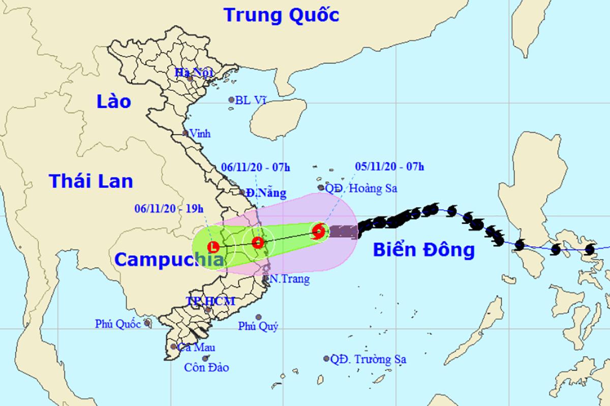 Đường đi của bão Goni theo dự báo của Trung tâm Dự báo Khí tượng Thủy văn Quốc gia trưa 5/11. Ảnh: NCHMF.
