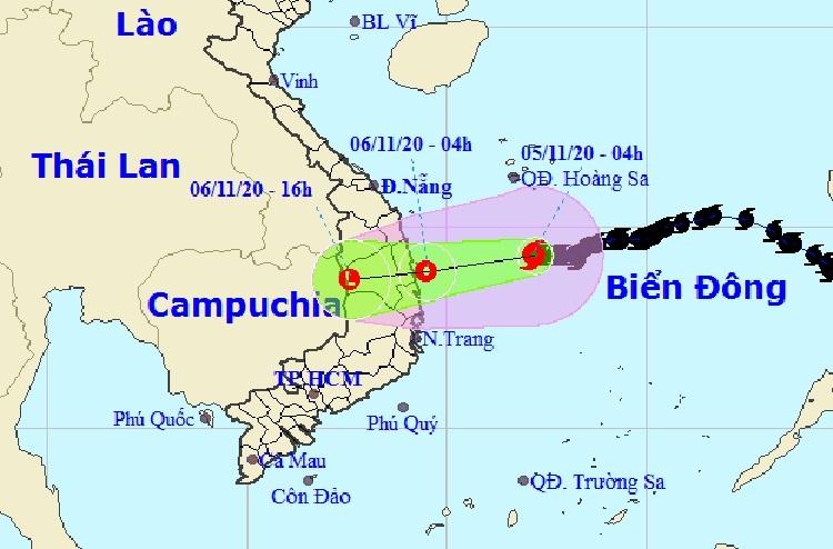 Đường đi của bão Goni theo dự báo của Trung tâm Dự báo Khí tượng Thủy văn Quốc gia sáng 5/11. Ảnh: NCHMF.