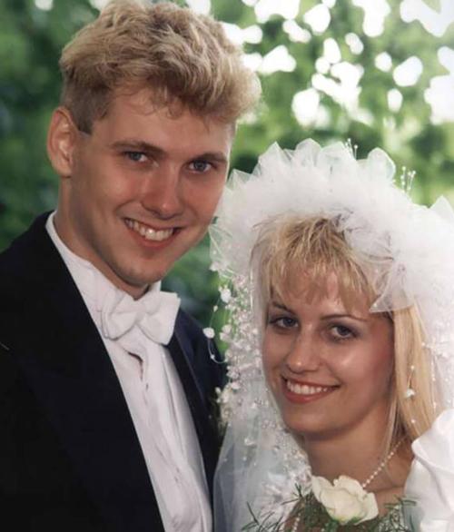 Paul Bernardo (trái) và vợ Karla Homolka còn được gọi là Kẻ giết người búp bê Ken và Barbie vì vẻ ngoài điển trai, xinh gái. Ảnh: Postmedia.