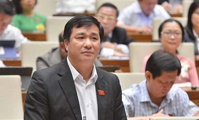 Đại biểu Dương Minh Tuấn tại nghị trường. Ảnh: Trung tâm báo chí Quốc hội
