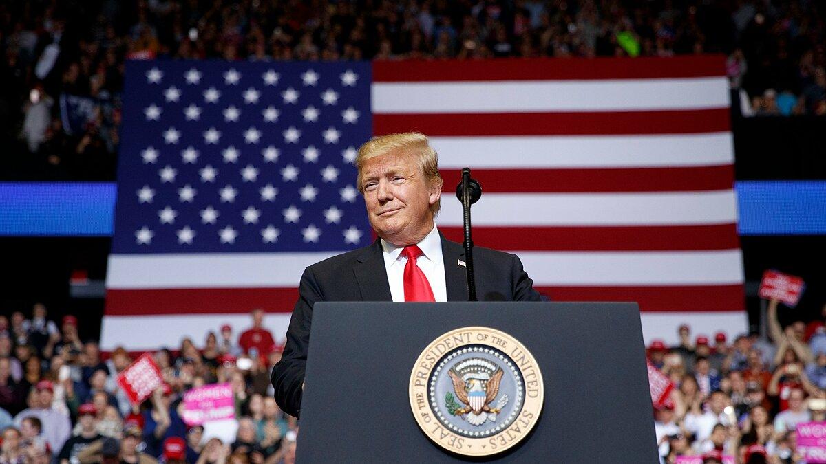 Tổng thống Trump tại sự kiện ở Grand Rapids, bang Michigan hôm 2/11. Ảnh: NYTimes.
