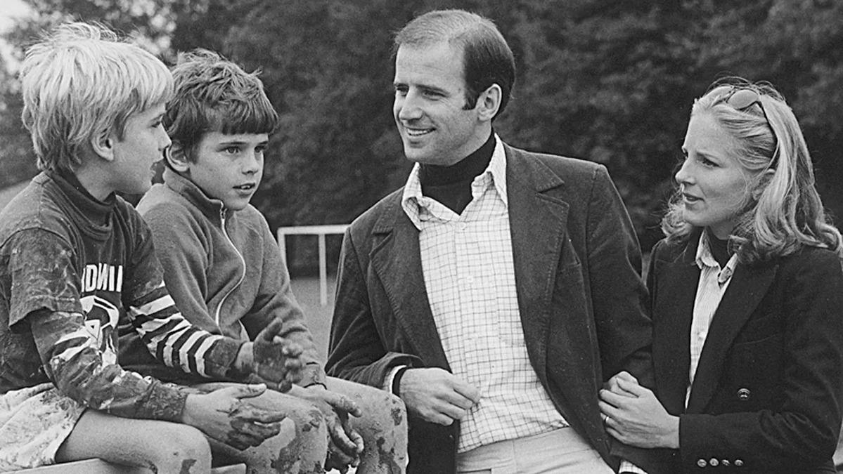 Beau Biden (trái), cạnh Hunter, hai con riêng của Joe Biden, cùng vị hôn thê Jill Jacobs. Ảnh: AP