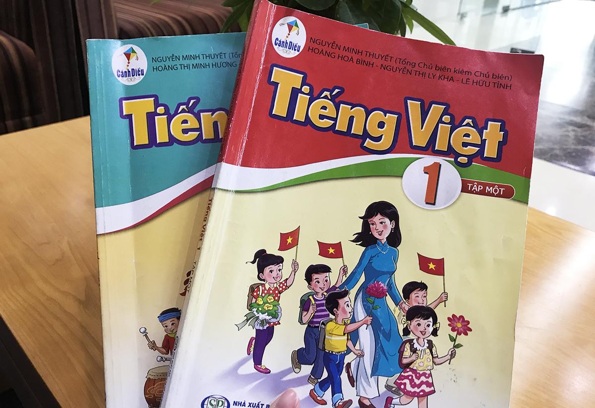 Hai cuốn sách Tiếng Việt lớp 1 bộ Cánh Diều. Ảnh: Dương Tâm.