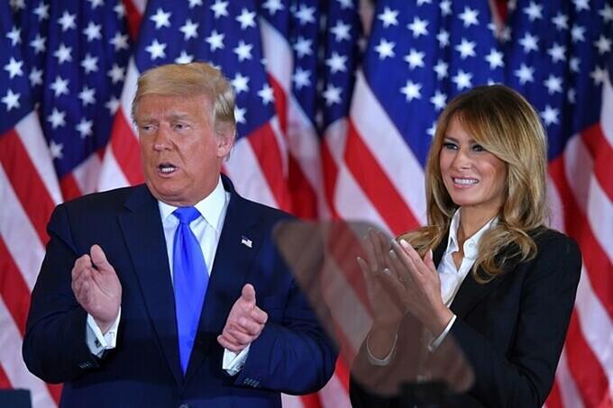 Tổng thống Mỹ Trump và Đệ nhất phu nhân Melania tại Nhà Trắng ngày 4/11. Ảnh: AFP.