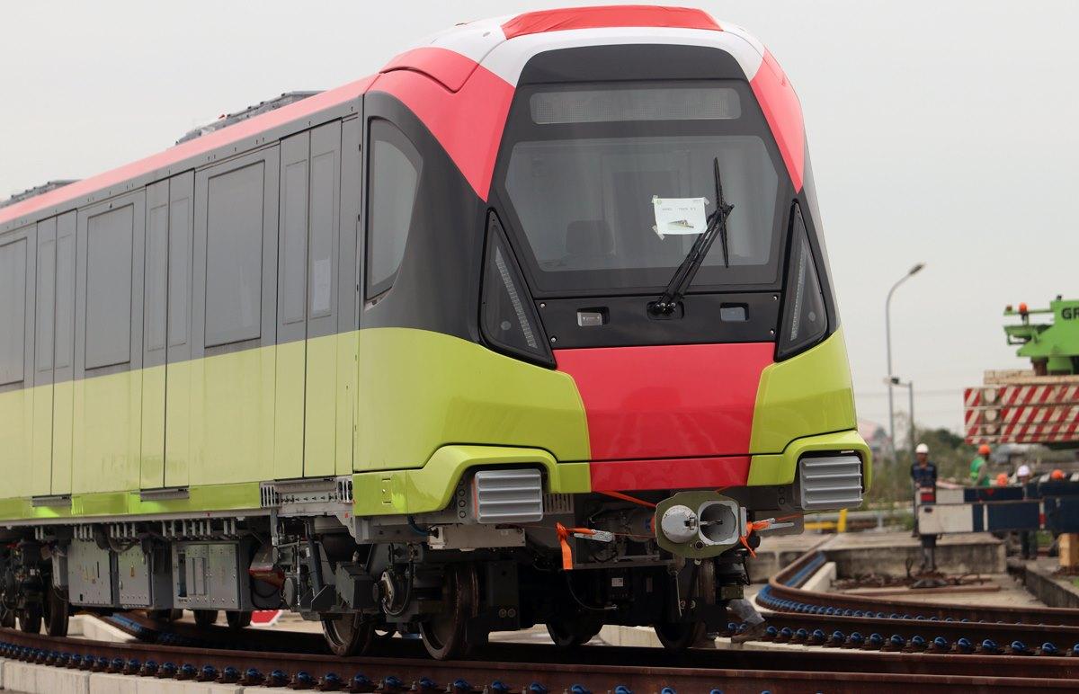 Đoàn tàu đầu tiên tuyến đường sắt đô thị Nhổn - ga Hà Nội. Ảnh: Ngọc Thành