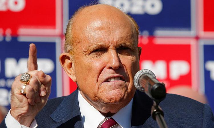 Rudy Giuliani, luật sư của Trump, tại cuộc họp báo ở Philadelphia, Pennsylvania hôm 7/11. Ảnh: Reuters.