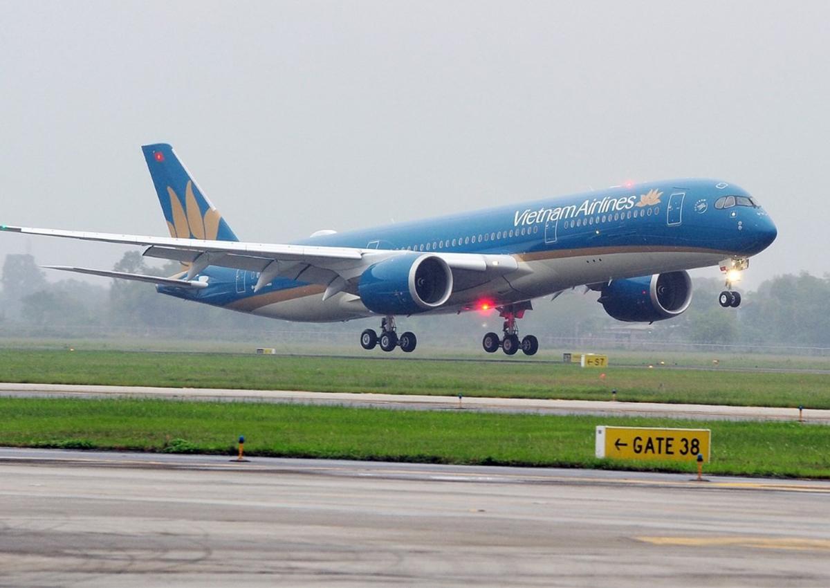 Nhiều chuyến bay sẽ bị ảnh hưởng do cơn bão số 12. Ảnh; VNA