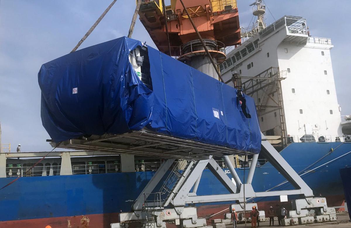Các bộ phận đầu tiên của robot đào ngầm cập cảng Hải Phòng vào cuối tháng 10/2020. Ảnh: MRB.