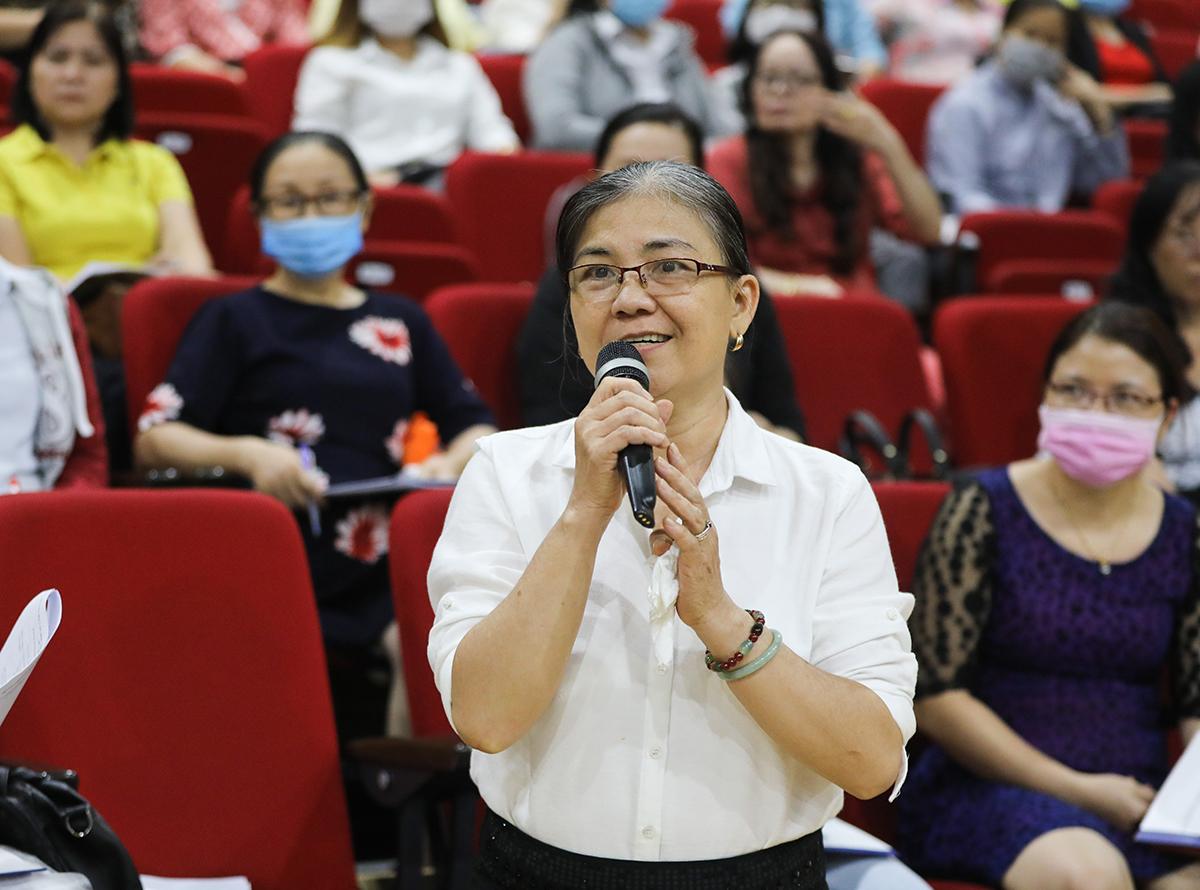 Nhiều câu hỏi của đại diện các phòng giáo dục và các trường đã được Vinamilk giải đáp tại buổi tập huấn vào ngày 6/11. Ảnh: Quỳnh Trần.