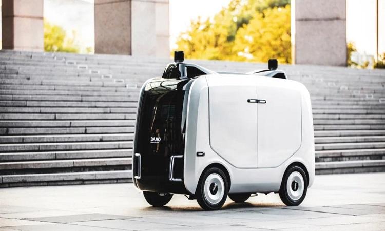 Mẫu robot giao hàng mới của Alibaba. Ảnh: CGTN.