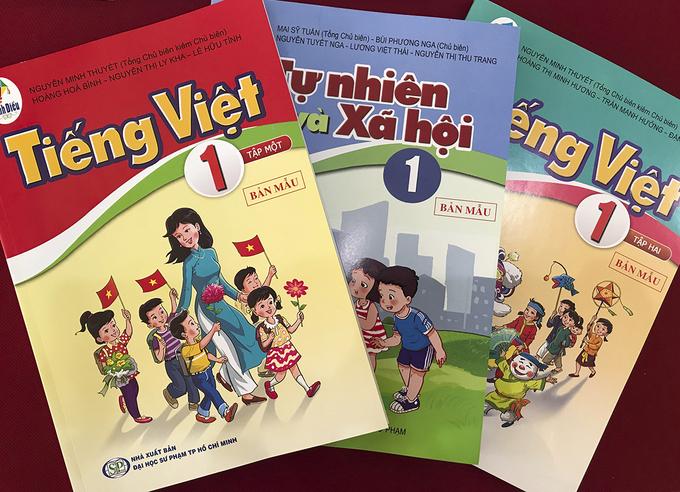 Bộ sách Cánh diều của Nhà xuất bản Đại học Sư phạm và Nhà xuất bản Đại học Sư phạm TP HCM phối hợp biên soạn. Ảnh: Dương Tâm.